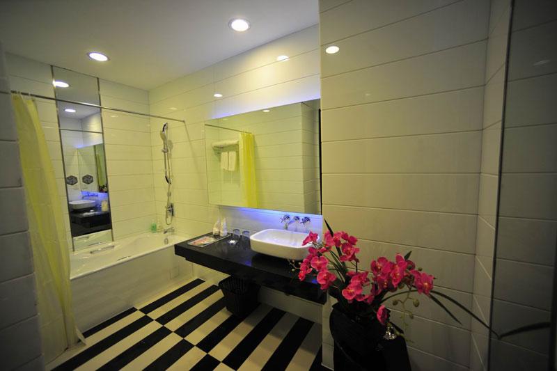 商务套房浴室